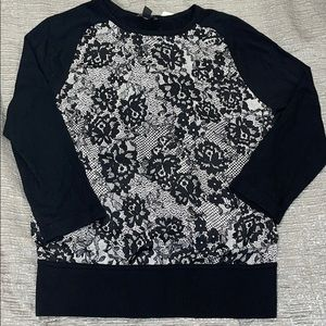 Ann Taylor black and white lace print sweater xs